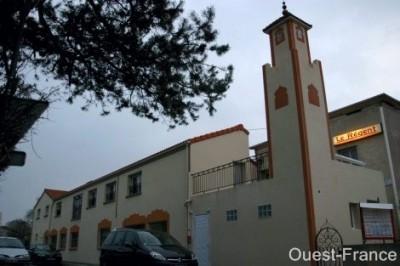 mosquee cholet 400x266 Mosquée de Cholet, cest ouvert !!