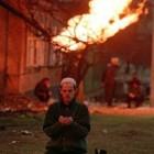 prière devant un feu