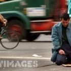 prière et une rue