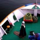 prière sur un pont d'un bateau