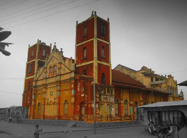 La mosquée colorée de Porto novo