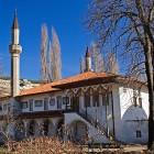Mosquée à Bakhchisaray en Ukraine avec deux minaretd