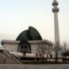 Mosquée Zagreb en Croatie avec un minaret et un double dômes