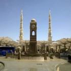 L'entrée de la mosquée al Nabawi à Médine