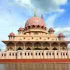 Grande mosquée mosquée Putra à Kuala Lampur en Malaisie