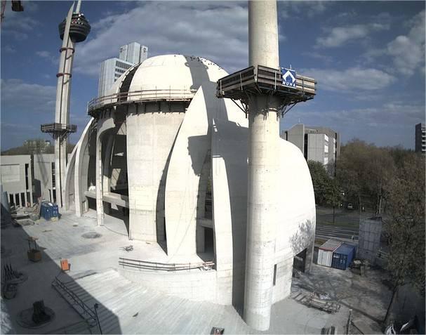 La grande mosquée de Cologne en cours de construction en Allemagne