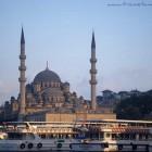 La jolie mosquée d'Eminonu à Istanbul