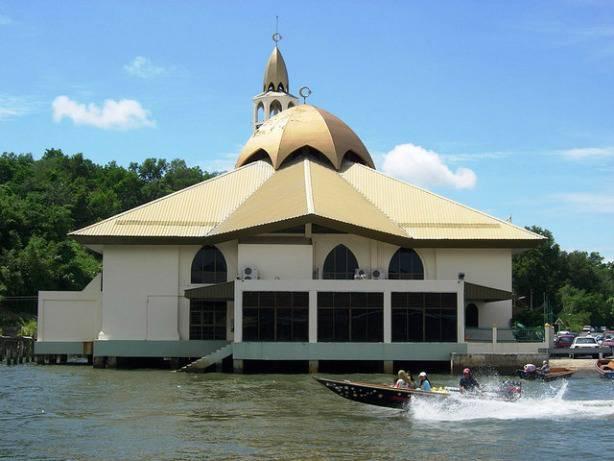 Une mosquée ) Borno en Malaisie