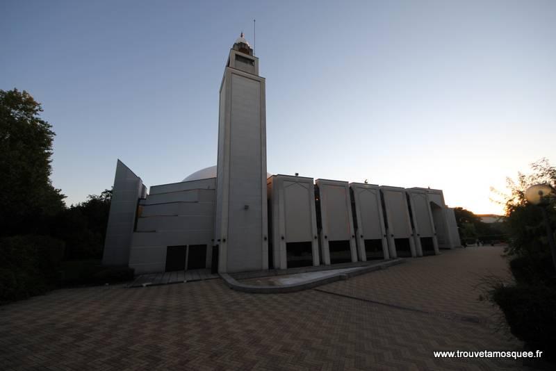 Mosquées de Lyon : manifestation silencieuse