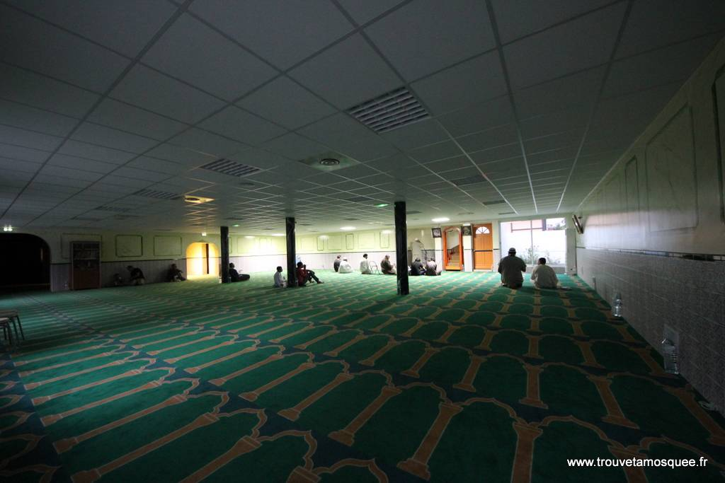 Fermeture de la mosquée de Montfermeil: les candidats s'expriment