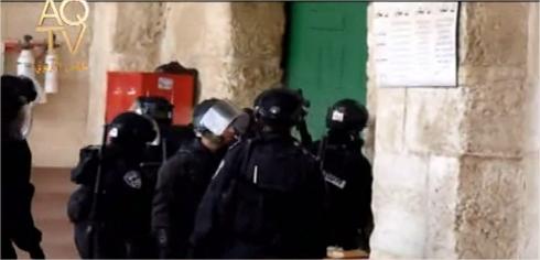 La police s'introduit dans la mosquée al aqsa