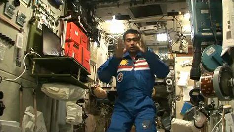 Ramadan et prière dans l'espace