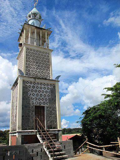 mosquee-mayotte-Tsingoni-minaret