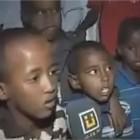Des enfants récitent le coran