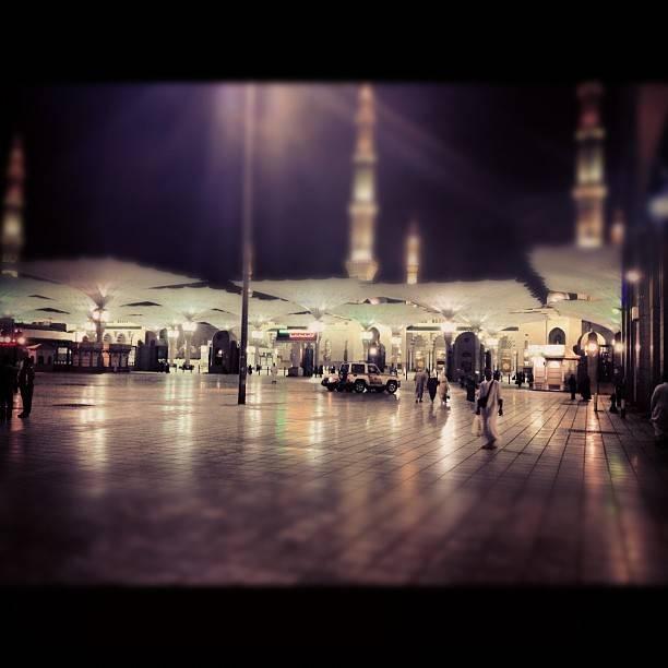 Masjid Al Nabawi de nuit