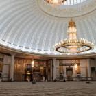 L'intérieur de la mosquée Jame Asr Hassanil Bolkiah à Brunei