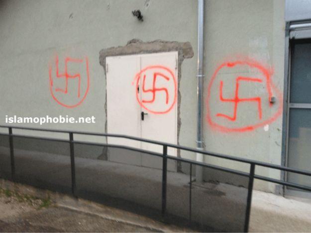 tag-nazi-mosque-voiron-islamophobie