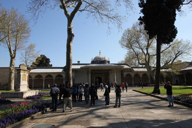 palais-topkapi-court